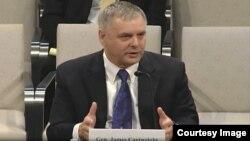 제임스 카트라이트 전 미 합참부의장이 13일 미 하원 정보위원회 청문회에 출석했다.