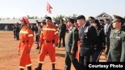 美中陆军官兵2012年11月28日在云南参与人道救援联合演练 (美国陆军照片)