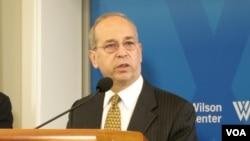 대니얼 러셀 미국 국무부 동아시아태평양 담당 차관보가 18일 워싱턴의 외교안보 연구기관인 우드로 윌슨센터에서 '미-한 동맹이 처한 위협'을 주제로 연설했다.