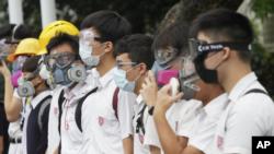 홍콩 학생들이 2일 개학을 맞아 등교를 거부하고 시위에 동참하고 있다.