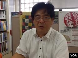 東京大學教授木宮正史接受美國之音採訪。 (美國之音小玉拍攝)