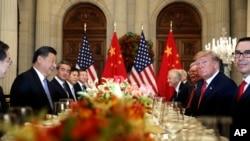 美國總統特朗普(右二)和中國國家主席習近平(左二)在阿根廷布宜諾斯艾利斯出席二十國集團領導人非正式會晤。(2018年12月1日)