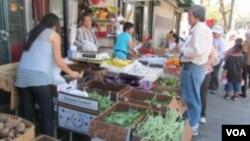 華埠賣瓜菜的小商家能與沃爾瑪競爭嗎