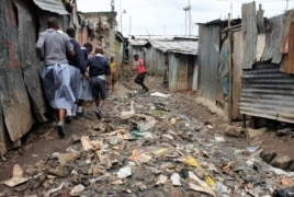 Conditions in many schools are basic and poverty in the slum means that many parents cannot afford even low school fees for their children, Nairobi, Kenya, June 2, 2015. (Hilary Heuler / VOA)