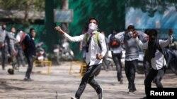 بھارت کے یوم جمہوریہ کے موقع پر سری نگر میں ہڑتال رہی اور نوجوانوں کی ٹولیوں نے مظاہرے کیے۔