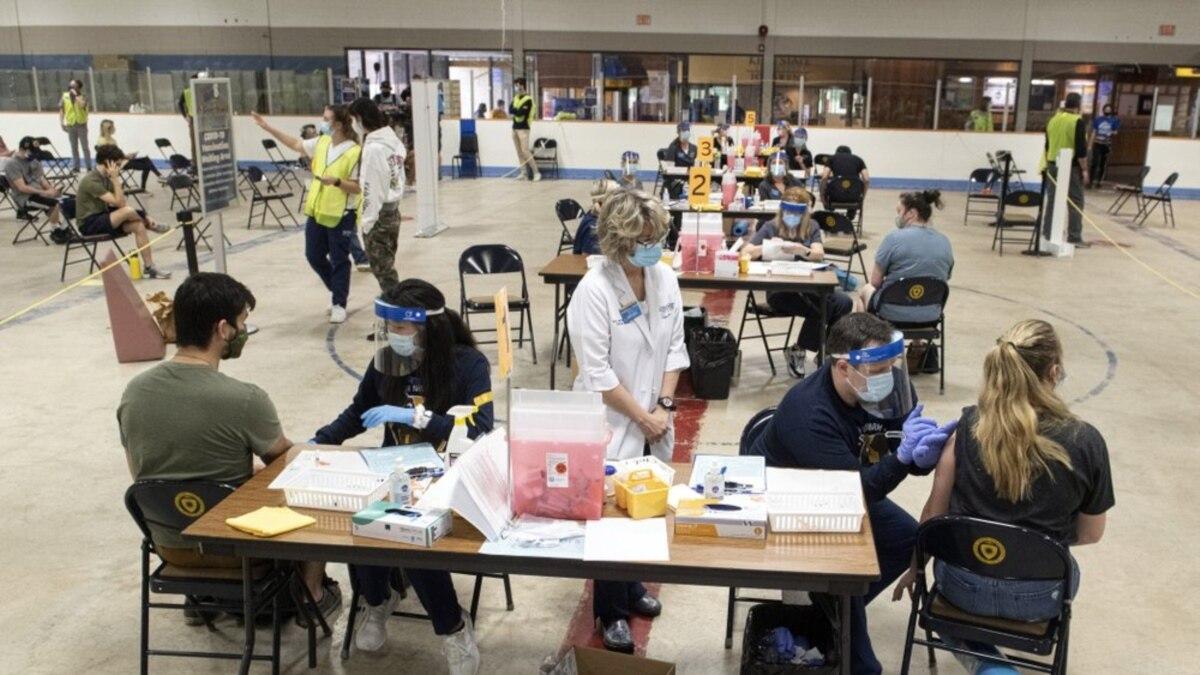 Pusat Vaksinasi Didirikan di Kampus Texas