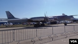 2015年莫斯科航展上展出的一架现役俄军图-95战略轰炸机。