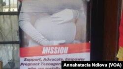 Abenhlanganiso eyeThula Trust bancceda amantombazana azithwala besesebancane