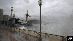 ہانگ کانگ، جنوبی چین طوفان کی زد میں