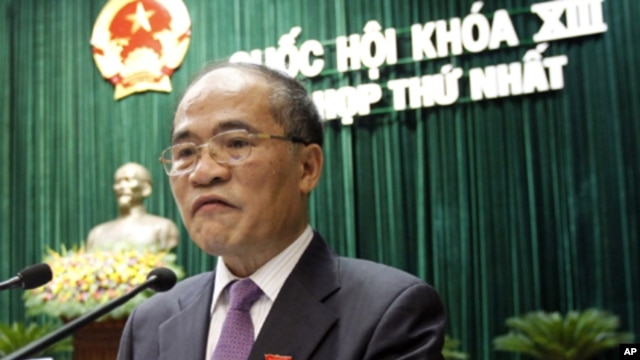 Vietnam's Deputy Prime Minister Nguyen Sinh Hung speaks at the opening ceremony of the first session of the newly elected national assembly in Hanoi July 21, 2011.