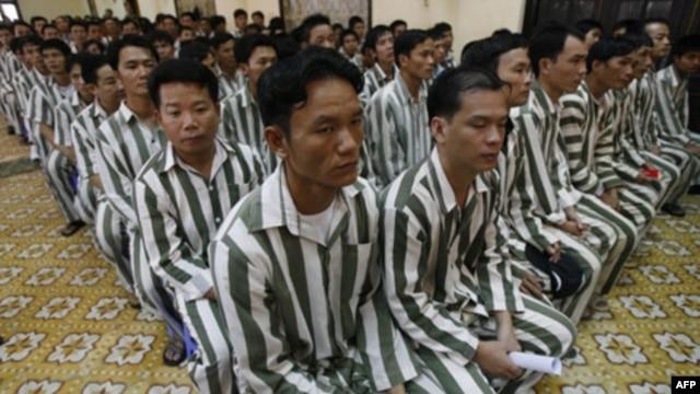 Việt Nam hôm 28/8 loan báo sẽ trả tự do cho hơn 18 ngàn tù nhân, bắt đầu từ thứ Hai tuần tới.