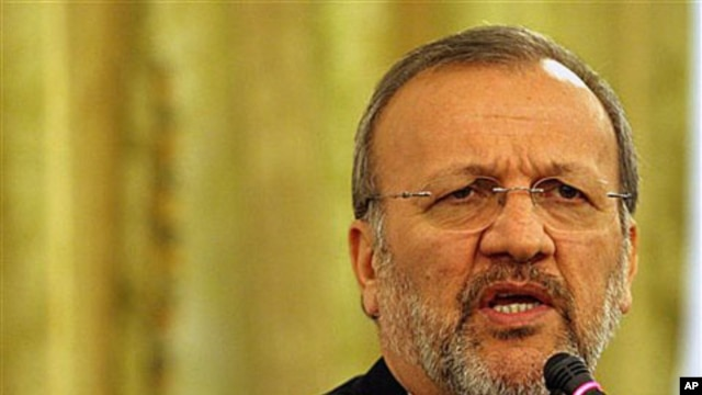 Iran's Foreign Minister Manoucher Mottaki speaks at a news conference in Tehran (file photo)