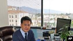 คุณธนกฤษณ์ มะกะระธัช ผู้อำนวยการสถาบัน The Language Institute ใน LA อธิบายเกี่ยวกับหลักสูตร การสมัครเรียนของสถาบัน ตอนที่ 2