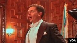 Dmitriy Vargin, Samarqandda tug'ilib, ta'lim olgan opera qo'shiqchisi. 2001-yildan beri Germaniyada ishlab ijod qiladi.
