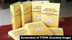 Cuốn sách 'Tổng Bí thư, Chủ tịch nước Nguyễn Phú Trọng với tình cảm của nhân dân trong nước và bạn bè quốc tế' ra mắt hôm 20/9 tại trụ sở báo Nhân Dân ở Hà Nội. (Ảnh chụp màn hình - Phương Hoa/TTXVN)