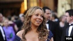 Mariah Carey perdió un bebé en 2008 al complicársele su embarazo. Esta vez logró éxitosamente traer a la vida a gemelos.