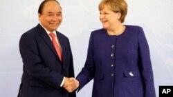 """Chính quyền Berlin từng nói rằng Việt Nam đã """"bội tín"""" sau khi từng yêu cầu dẫn độ ông Thanh về nước lúc Thủ tướng Phúc dự hội nghị G20 ở Đức hồi tháng Bảy, nhưng sau đó lại thực hiện vụ """"bắt cóc""""."""
