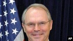 عراق میں امریکی سفیر کرسٹوفر ھل