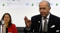 Laurent Fabius, Ministro de relaciones exteriores de Francia y presidente del COP21 presiona para llegar a un acuerdo sobre el cambio climático lo antes posible.