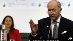 로랑 파비우스 프랑스 외무장관이 9일 프랑스 파리에서 열리고 있는 유엔 기후변화협약 당사국총회에서 발언하고 있다.