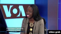 Kamissa Camara dans les studios de VOA