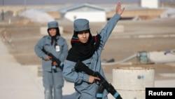Afg'on milliy armiyasining ayol zobitlari, Qunduz ko'chalarida