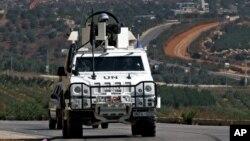 지난달 29일 유엔 평화유지군이 레바논과 이스라엘 국경지역을 순찰하고 있다