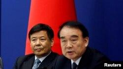 中国外交部副部长李保东(右)在20国集团峰会