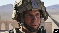 Sersan Robert Bales, pelaku pembantaian warga sipil di Afghanistan bulan Maret 2012 yang lalu, mulai diadili di pangkalan gabungan Lewis-McChord, negara bagian Washington, hari ini (5/11) (Foto: dok).