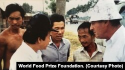 2019 World Food Prize Laureate Mr. Simon N. Groot working with farmers
