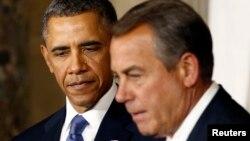 Tổng thống Hoa Kỳ Barack Obama (trái) và Chủ tịch Hạ viện John Boehner