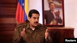 Nicolás Maduro, presidente encargado de Venezuela, acusó a EE.UU. de intentar desestabilizar su país. Luego ordenó suspender la comunicación entre ambas naciones.