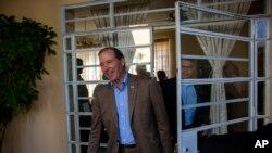 Thượng nghị sĩ Mỹ Tom Udall tại một cuộc họp báo ở Havana, Cuba, ngày 27/5/2015.