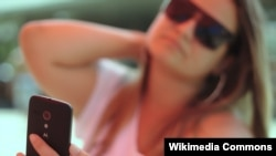 Credit card company MasterCard says selfies could replace passwords for online transactions.