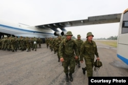 Russian troops on board an Ilyushin Il-76 military transport plane landed at a Pakistan military base in Rawalpindi, Sept. 23, 2016. (Courtesy ISPR)