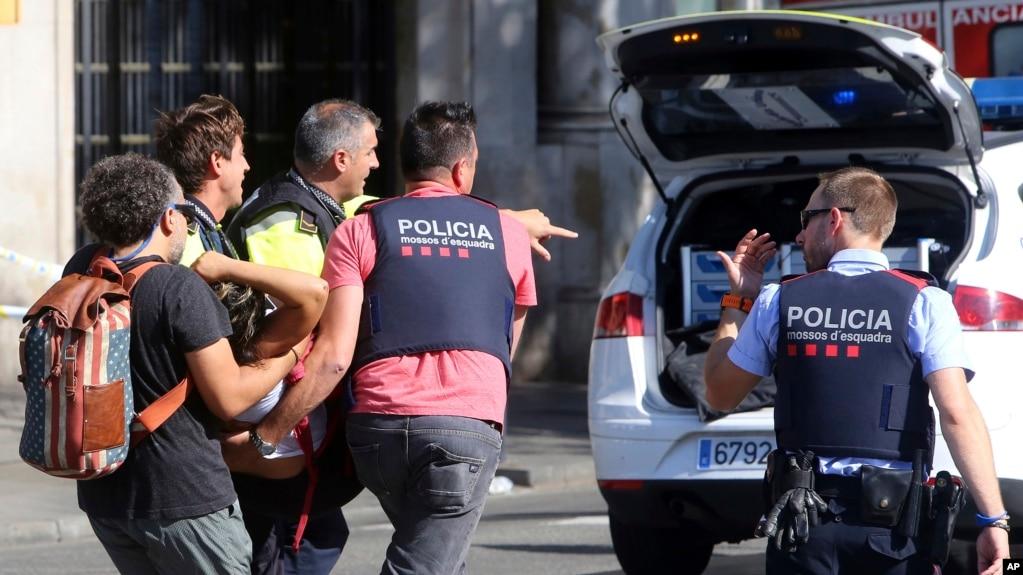 13 vetë humbin jetën në sulmin e Barcelonës