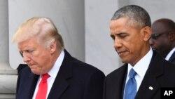 Le président élu des Etats-Unis Donald Trump et le président sortant Barack Obama au Capital Hill à Washington, 20 janvier 2017.