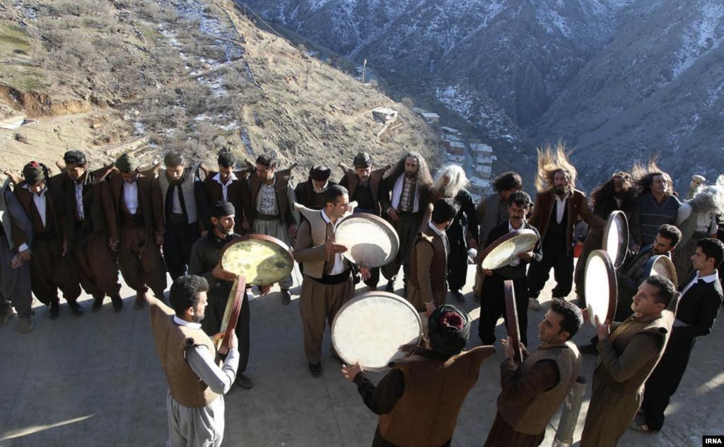 مراسم عروسی پیرشالیار در اورامان تخت کردستان عکس: سید مصلح پیر خضرانیان
