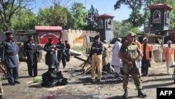 Pakistanda intiharçı hücumu səbəbindən 80 nəfərin öldüyü deyilir (Yenilənib)