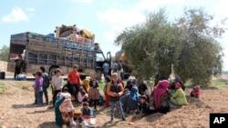 Xelkê Sivîl yê Efrînê ji sedema dijwariya şer ji malên xwe direvin