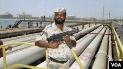 محافظت از لوله های نفتی عربستان سعودی