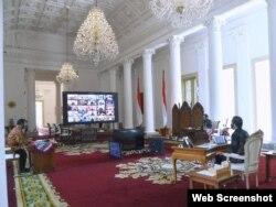 Presiden Jokowi di Istana Kepresidenan Bogor, Selasa (1/9) memberikan arahan kepada para Menteri dan Gubernur di Seluruh Indonesia Secara Virtual untuk mengoptimalkan belanja Daerah dan menurunkan kasus Covid-19 (Setpres RI).