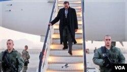 Menteri Pertahanan AS, Leon Panetta tiba di Kabul dalam kunjungan mendadak ke Afghanistan (13/12).