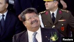 Foto dokumen Presiden Turki Turgut Ozal saat menjabat tahun 1993 (Foto: dok). Presiden Ozal dikabarkan meninggal dunia pada usia 66 tahun karena gagal jantung. Pihak berwenang menggali makam dan mengambil jenazahnya untuk diperiksa kembali sebab-sebab kematiannya saat menjabat tersebut.