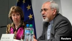 伊朗外交部長扎里夫(右)。