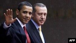 Prezident Obama Türkiyə baş naziri Erdoğanla telefon söhbətində Misirdəki vəziyyəti müzakirə edib