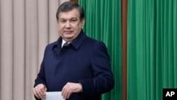 O'zbekistonning yangi saylangan prezidenti Shavkat Mirziyoyev