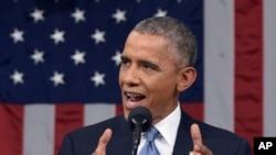 지난해 1월 미국 상하원 합동 의회에서 국정연설을 하고 있는 바락 오바마 대통령. (자료사진)