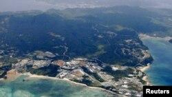 Foto udara Pulau Okinawa di Jepang (foto: dok). Topan berkecepatan 252 kilometer per jam merusak ribuan rumah dan memadamkan listrik di Pulau Okinawa dan sekitarnya.