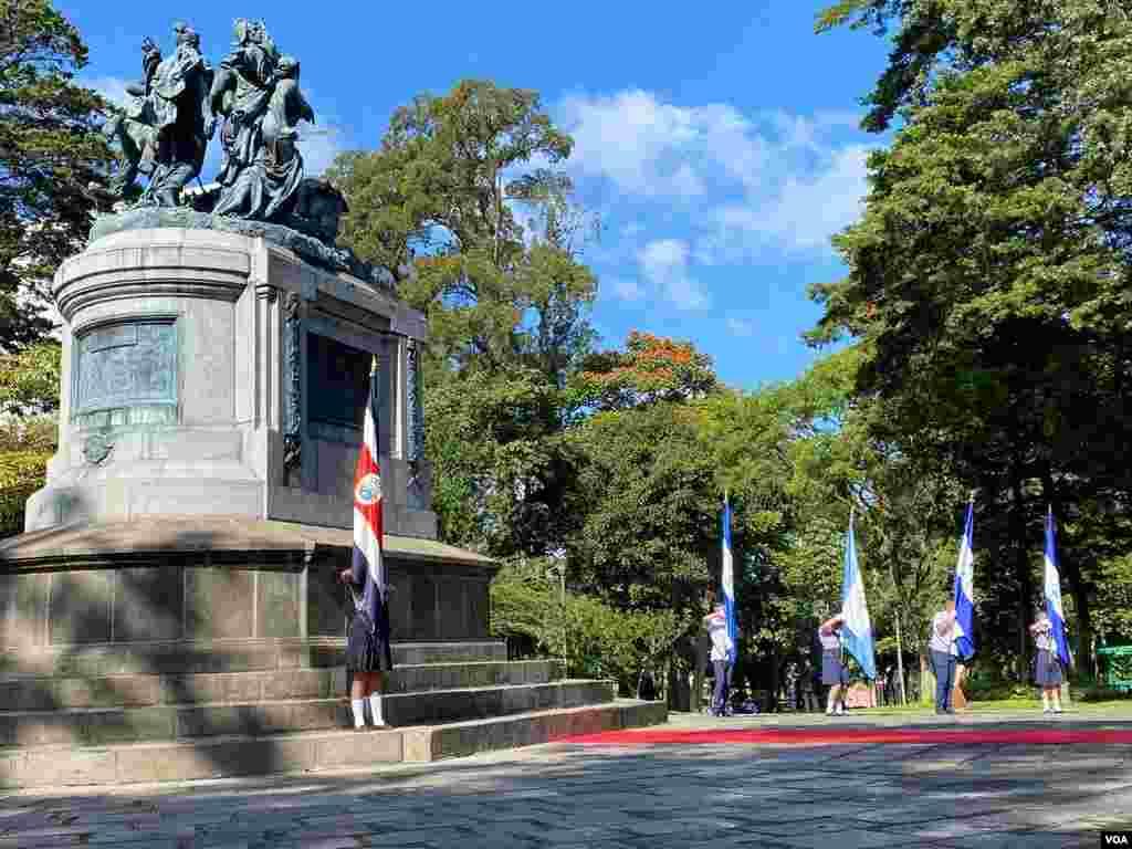 Con un acto en el Monumento Nacional que honra a las cinco naciones centroamericanas en la guerra contra los filibusteros de 1856-1857, comenzaron en Costa Rica las celebraciones del Bicentenario de la Independencia. Foto: Armando Gómez